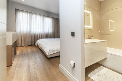 Apartment for sale in Madrid, Spain, 3 bedrooms, 322.00m2, No. 2564 – photo 22