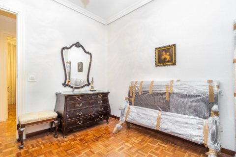 Apartment for sale in Madrid, Spain, 3 bedrooms, 78.00m2, No. 2330 – photo 16