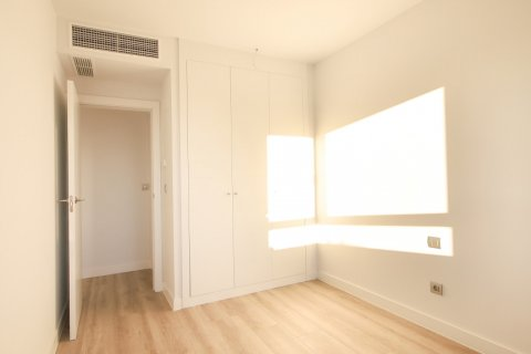 Apartment for sale in Madrid, Spain, 4 bedrooms, 200.00m2, No. 2361 – photo 21