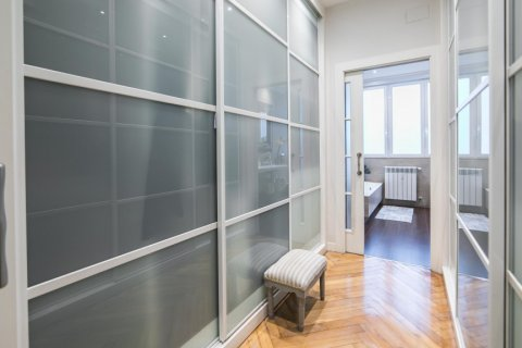 Apartment for sale in Madrid, Spain, 5 bedrooms, 236.00m2, No. 1569 – photo 28