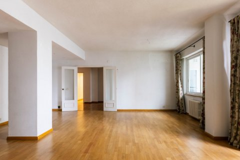 Apartment for sale in Madrid, Spain, 3 bedrooms, 168.00m2, No. 2301 – photo 5