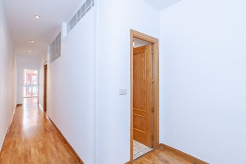 Apartment for rent in Madrid, Spain, 2 bedrooms, 120.00m2, No. 1464 – photo 7