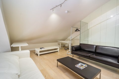 Duplex for sale in Madrid, Spain, 3 bedrooms, 150.00m2, No. 2671 – photo 2