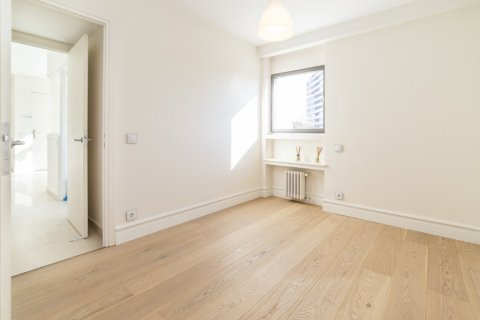 Apartment for sale in Madrid, Spain, 4 bedrooms, 251.00m2, No. 2527 – photo 24