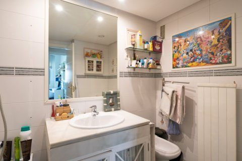 Apartment for sale in Madrid, Spain, 4 bedrooms, 171.00m2, No. 2442 – photo 26