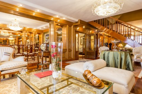 Duplex for sale in Madrid, Spain, 5 bedrooms, 514.00m2, No. 1493 – photo 23