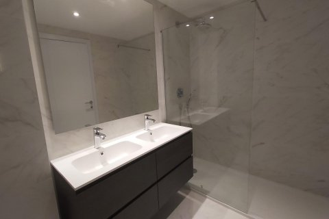 Apartment for rent in Madrid, Spain, 3 bedrooms, 155.00m2, No. 2601 – photo 20