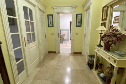 Apartment for sale in Malaga, Spain, 3 bedrooms, 135.00m2, No. 2285 – photo 3