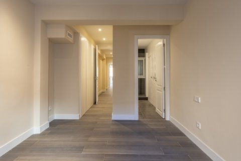 Apartment for sale in Madrid, Spain, 4 bedrooms, 290.00m2, No. 2043 – photo 19