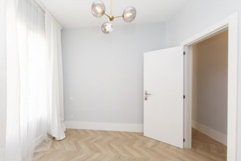 Apartment for sale in Madrid, Spain, 3 bedrooms, 69.00m2, No. 2315 – photo 13