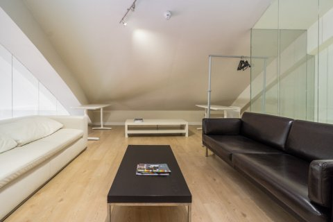 Duplex for sale in Madrid, Spain, 3 bedrooms, 150.00m2, No. 2671 – photo 5