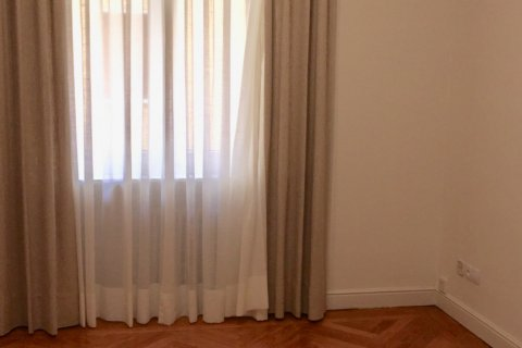 Apartment for rent in Madrid, Spain, 7 bedrooms, 150.00m2, No. 1624 – photo 12
