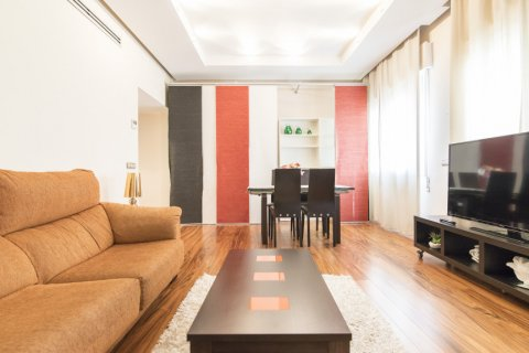 Apartment for sale in Madrid, Spain, 2 bedrooms, 64.00m2, No. 2121 – photo 2
