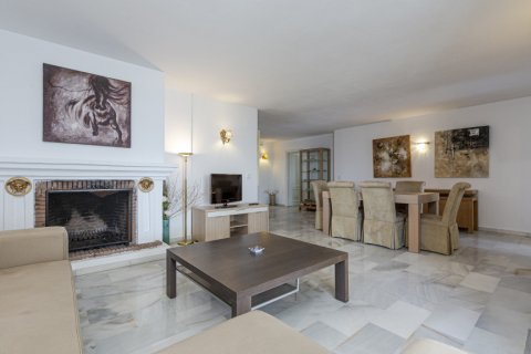 Penthouse for sale in Marbella, Malaga, Spain, 2 bedrooms, 143.88m2, No. 2290 – photo 2