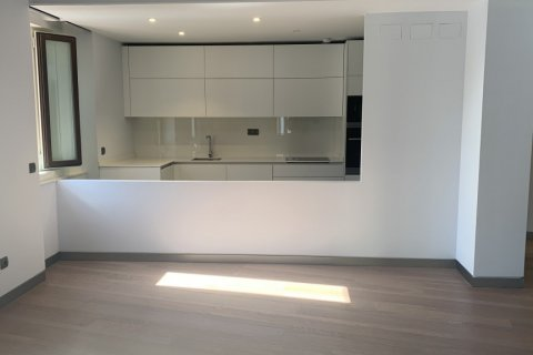 Apartment for rent in Madrid, Spain, 3 bedrooms, 170.00m2, No. 1932 – photo 1