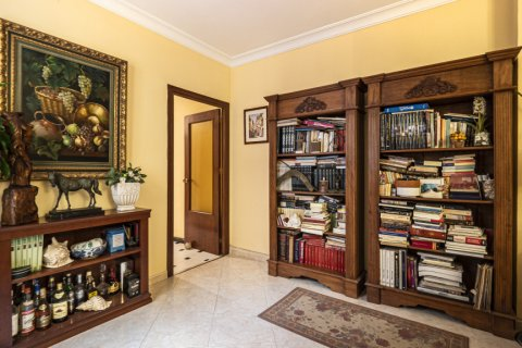 Apartment for sale in Malaga, Spain, 5 bedrooms, 181.00m2, No. 2193 – photo 6