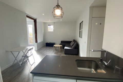 Apartment for rent in Madrid, Spain, 2 bedrooms, 75.00m2, No. 1942 – photo 22