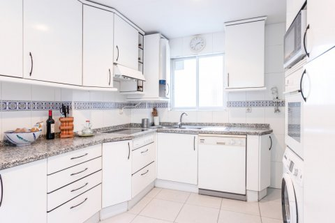 Apartment for sale in Madrid, Spain, 3 bedrooms, 167.00m2, No. 1945 – photo 7