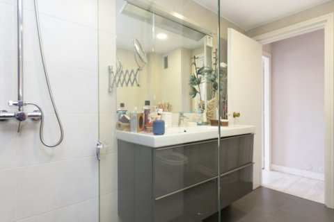 Apartment for sale in Madrid, Spain, 3 bedrooms, 245.00m2, No. 2666 – photo 16
