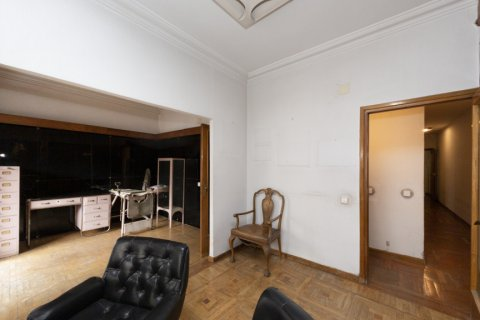 Apartment for sale in Madrid, Spain, 4 bedrooms, 129.00m2, No. 2307 – photo 3