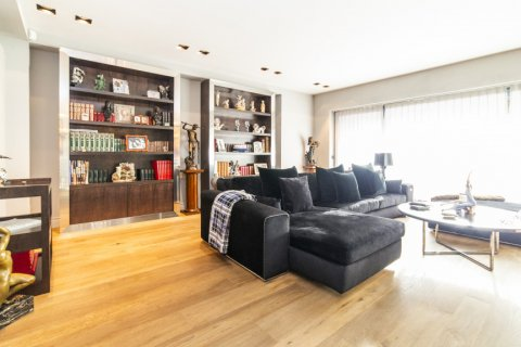 Apartment for sale in Madrid, Spain, 3 bedrooms, 322.00m2, No. 2564 – photo 3
