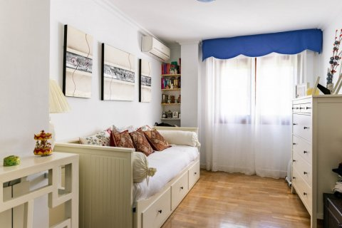 Apartment for sale in Madrid, Spain, 4 bedrooms, 202.00m2, No. 2710 – photo 17