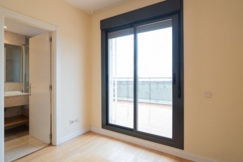 Penthouse for sale in Madrid, Spain, 3 bedrooms, 126.00m2, No. 2556 – photo 25