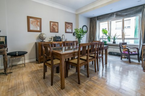 Apartment for sale in Madrid, Spain, 5 bedrooms, 236.00m2, No. 1569 – photo 3