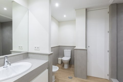 Apartment for sale in Madrid, Spain, 4 bedrooms, 330.00m2, No. 2353 – photo 21