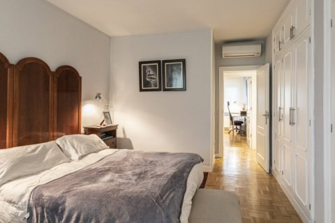 Apartment for sale in Madrid, Spain, 4 bedrooms, 122.00m2, No. 2013 – photo 27