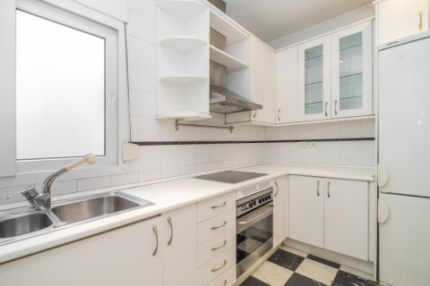 Penthouse for sale in Madrid, Spain, 2 bedrooms, 175.00m2, No. 2040 – photo 17