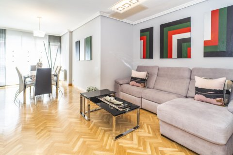 Apartment for sale in Madrid, Spain, 4 bedrooms, 122.51m2, No. 2192 – photo 3