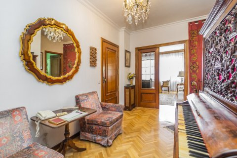 Apartment for sale in Madrid, Spain, 5 bedrooms, 181.00m2, No. 2706 – photo 15