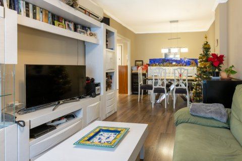 Apartment for sale in Madrid, Spain, 3 bedrooms, 121.00m2, No. 2521 – photo 2