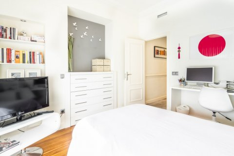 Apartment for sale in Madrid, Spain, 4 bedrooms, 213.00m2, No. 2415 – photo 25