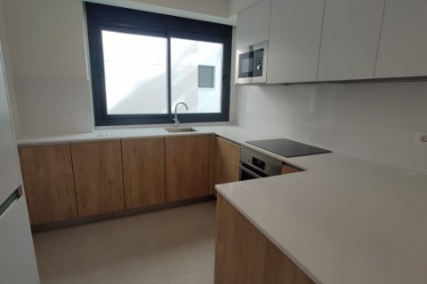 Apartment for rent in Marbella, Malaga, Spain, 2 bedrooms, 140.00m2, No. 2711 – photo 3