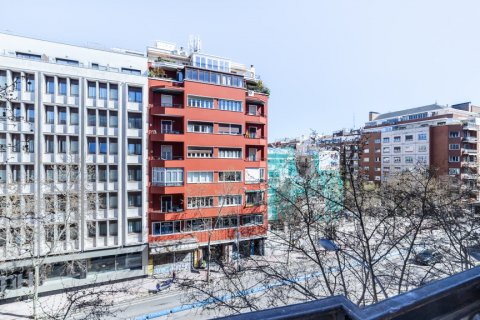 Apartment for rent in Madrid, Spain, 2 bedrooms, 120.00m2, No. 1464 – photo 27