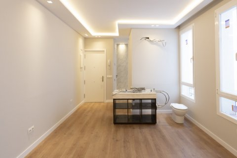 Apartment for sale in Madrid, Spain, 2 bedrooms, 63.00m2, No. 2509 – photo 14