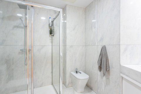Apartment for sale in Madrid, Spain, 3 bedrooms, 147.00m2, No. 2026 – photo 15