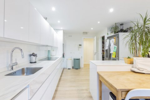 Apartment for sale in Madrid, Spain, 4 bedrooms, 330.00m2, No. 2353 – photo 12