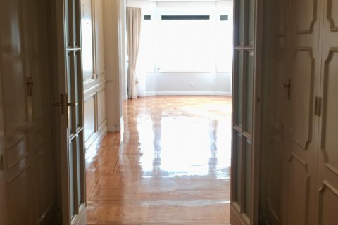 Apartment for rent in Madrid, Spain, 7 bedrooms, 150.00m2, No. 1624 – photo 10