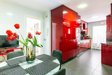 Apartment for sale in Madrid, Spain, 4 bedrooms, 202.00m2, No. 2710 – photo 12