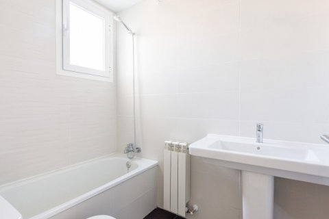 Apartment for rent in Madrid, Spain, 3 bedrooms, 104.00m2, No. 2164 – photo 13