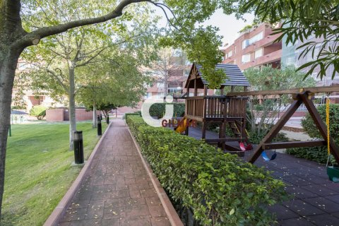 Apartment for rent in Madrid, Spain, 3 bedrooms, 127.00m2, No. 1688 – photo 12