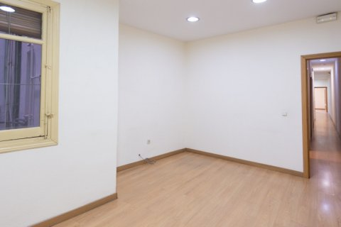 Apartment for sale in Madrid, Spain, 3 bedrooms, 120.00m2, No. 2439 – photo 20