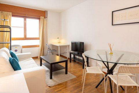 Apartment for sale in Madrid, Spain, 1 bedroom, 50.00m2, No. 2452 – photo 1