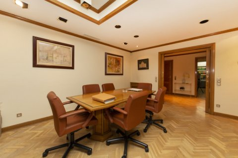 Apartment for sale in Madrid, Spain, 4 bedrooms, 206.00m2, No. 2284 – photo 7