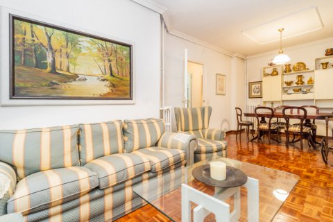 Apartment for sale in Madrid, Spain, 3 bedrooms, 78.00m2, No. 2330 – photo 3