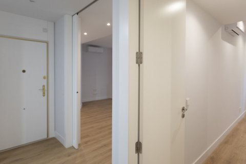 Apartment for sale in Madrid, Spain, 3 bedrooms, 136.00m2, No. 2007 – photo 7