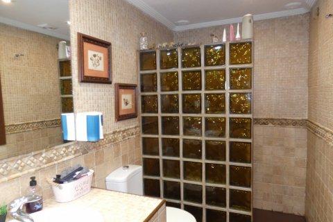 Duplex for sale in Cadiz, Spain, 3 bedrooms, 187.00m2, No. 1611 – photo 12